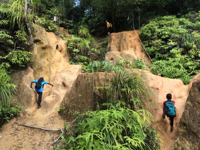 Trans Gunung Angsi hike