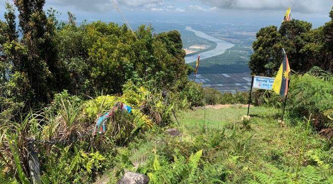 Gunung Santubong hike