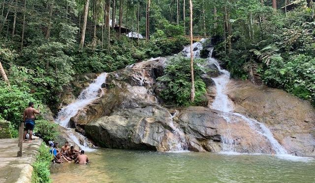 Kanching Waterfall hike
